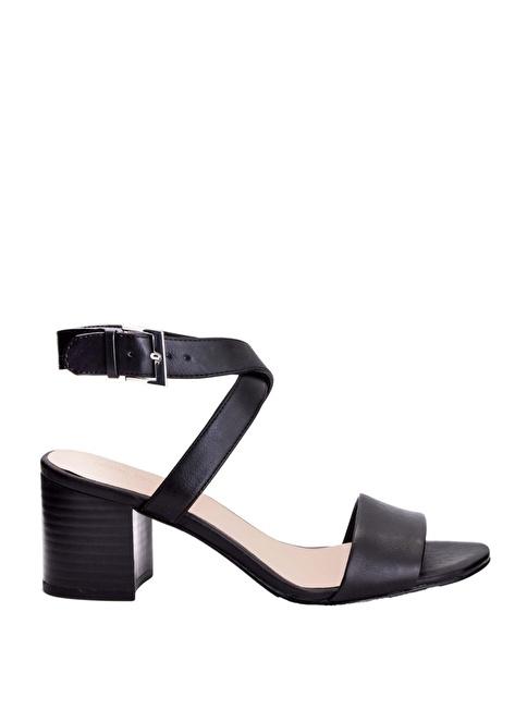 Nine West Kalın Topuklu Sandalet Siyah